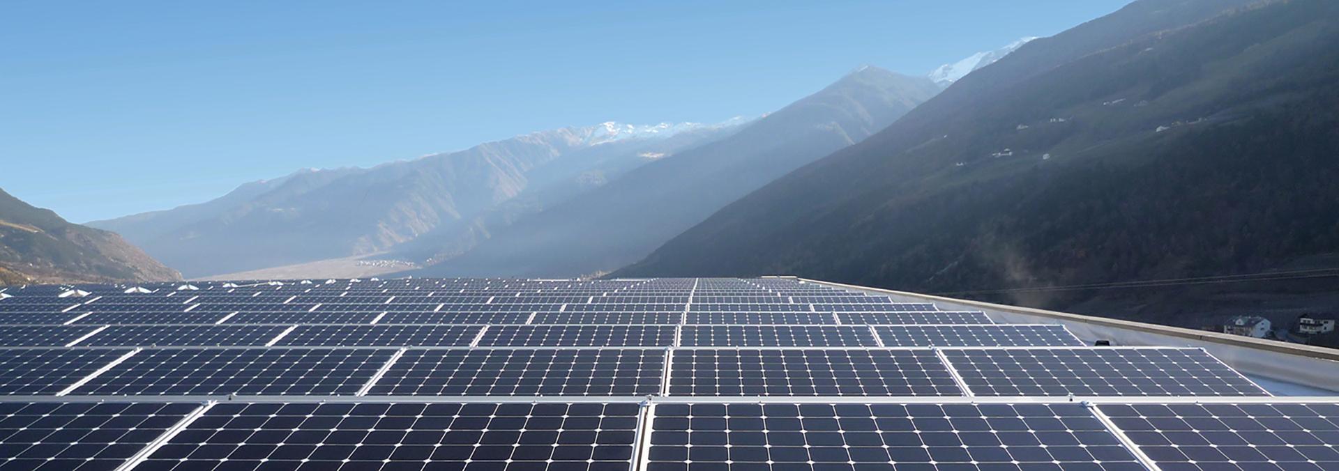 au-homepage-solar-mountains-1920px.jpeg